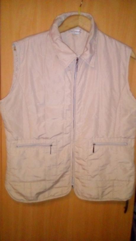 Dámská prošívaná vesta, 44
