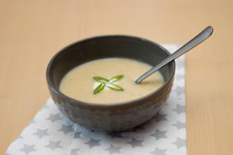 Polévka z pórku a červené čočky