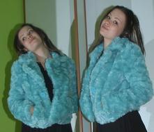 Krátký zelenkavý kabátek kožíšek, c&a,36
