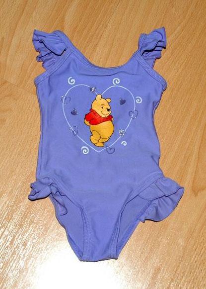 Fialové celkové dívčí plavky s medvídkem pú, 74