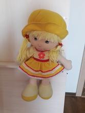 Krásná maxi textilní panenka,