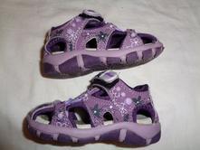 Nádherné fialové kožené sandálky - motýlci a kytky, 22