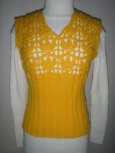 Žlutá vesta s háčkovanou aplikací, m / s