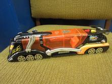 B006   mašinka, lokomotiva délka 28 cm,