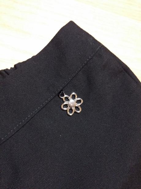 Kalhoty černé společenské kytička, tesco,104
