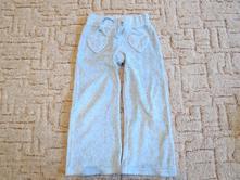 Tepláky šedé s kapsami ve tvaru srdíček, 104