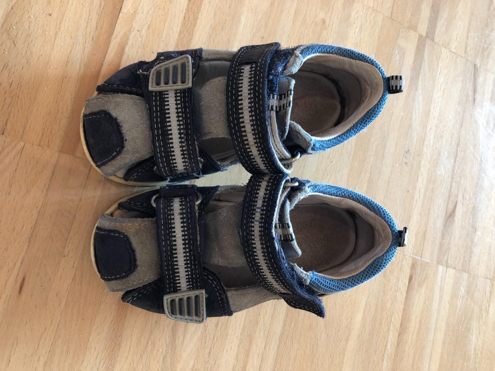 4ebf017cadf Superfit sandály vel. 22