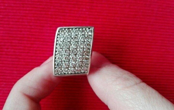 2a44139eb56 Stříbrný prstýnek s kamínky