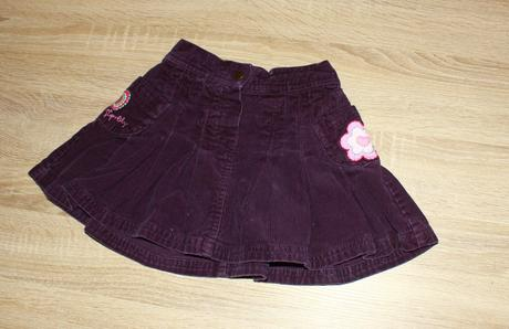 Manžestrová sukně s výšivkami, 104