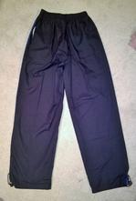 Tmavě modré sportovní kalhoty, 152