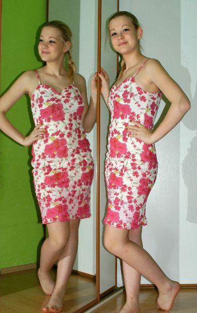 Letní krátké pružné šaty s květy, river island,34