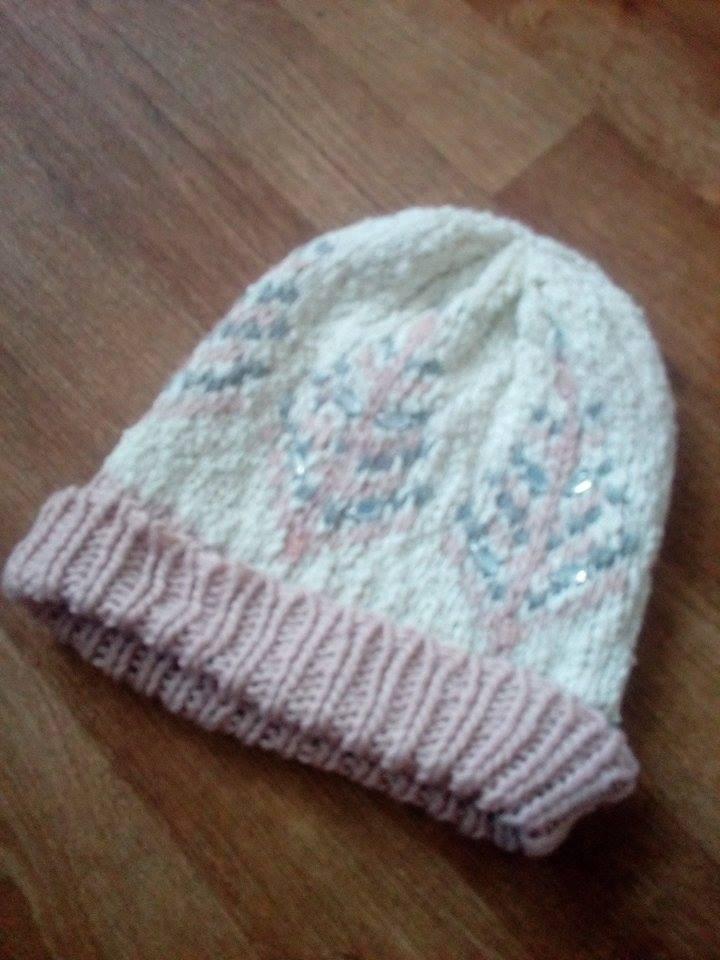 09cbaa063c9 Dámská zimní čepice next s kamínky růžová bílá šed