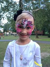 Vyrazili jsme do letního kina-malování na obličej bylo pro deti než začal film