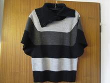 Pěkný zajímavý slušivý svetr s límečkem, 34