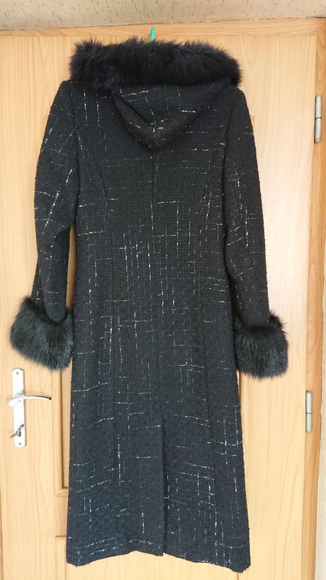 Dlouhý zimní kabát s kapucí , 36