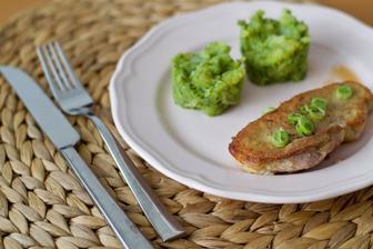 Steak z vepřové kýty s brokolicovo-bramborovým pyré