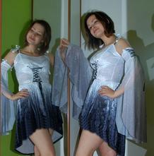 Sametové šaty tanečnice s návleky na ruce, 38