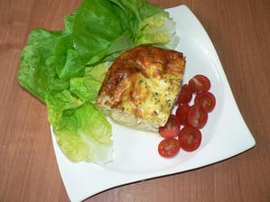 OBĚD: zapečený květák s bramborem (s jogurtem a vajíčkem), zelenina