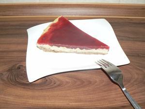 SNÍDANĚ: koláč s jahodovým želé z agaru