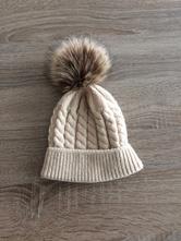 Zimní čepice s bambulí, 80