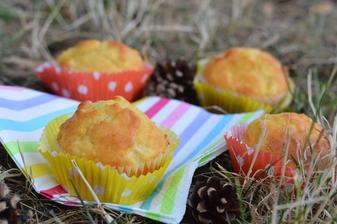 Ananasové muffiny se zakysanou smetanou