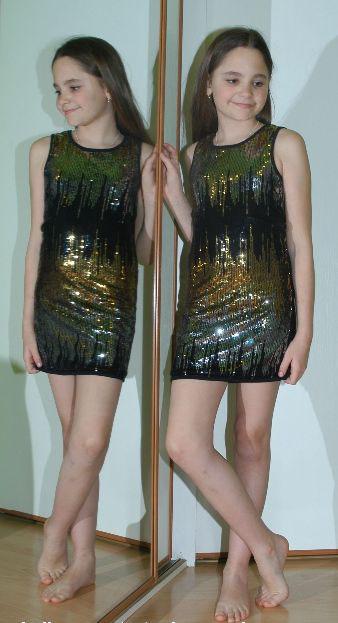 Slavnostní společenské pružné šaty s flitry, young dimension,140