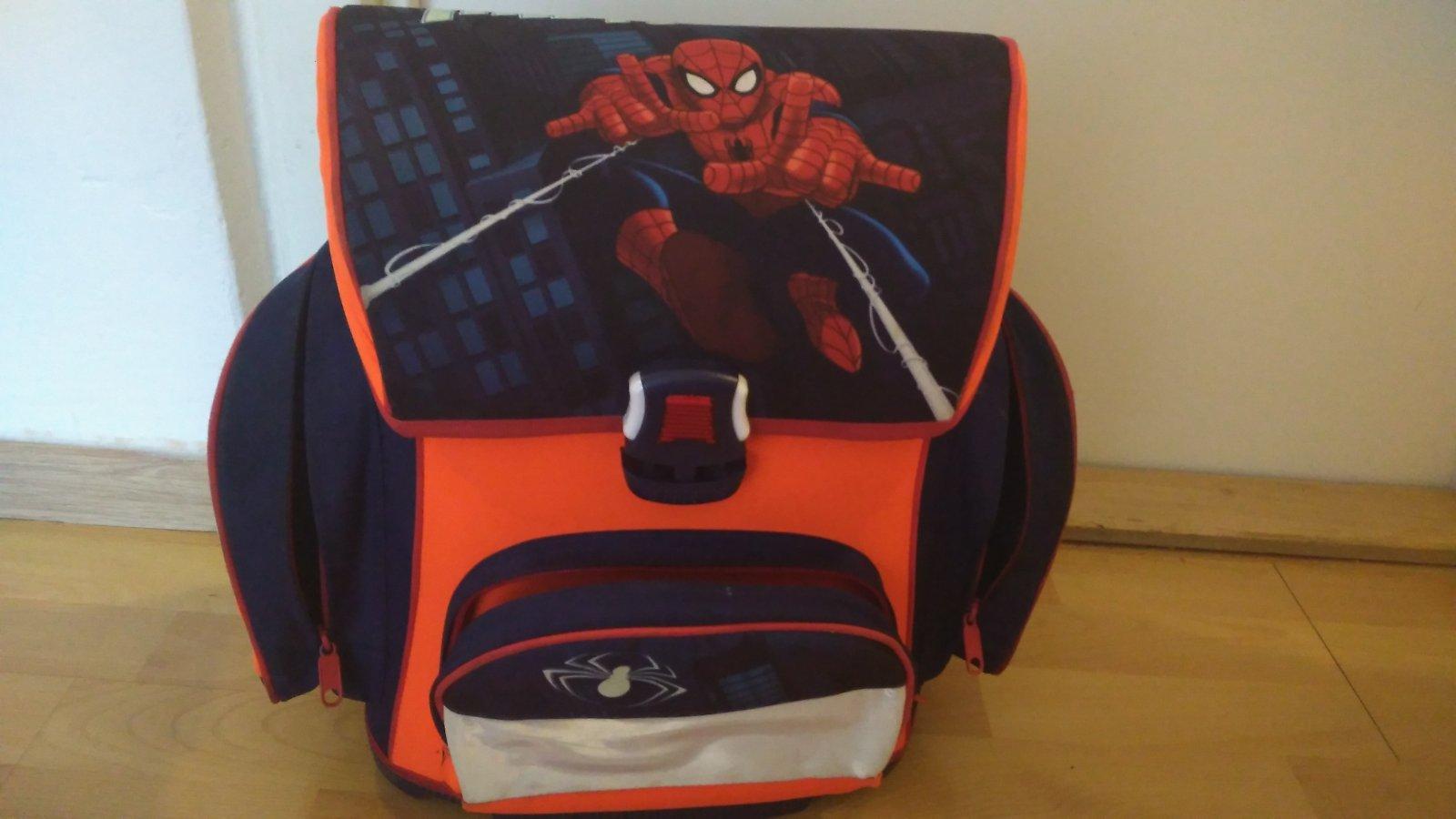 c087e352d43 Dětská školní aktovka batoh spiderman
