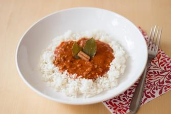 Zjednodušená rajská omáčka, rýže