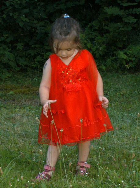 Slavnostní sváteční červené tylové šaty, 86