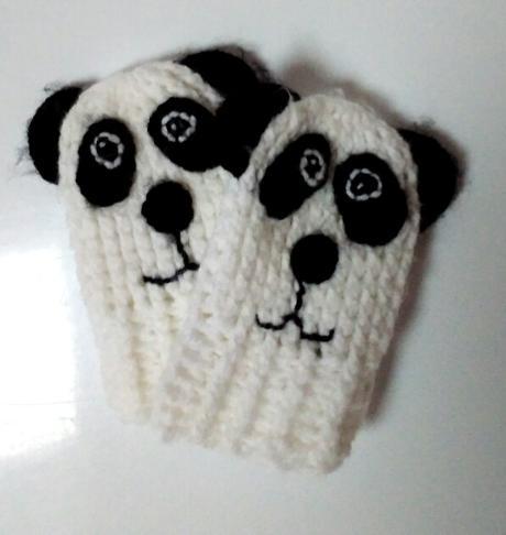 M271 - háčkované rukavice panda, 74