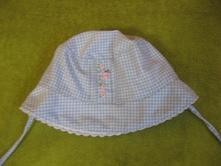 Kostičkovaný klobouček na šňůrky, 74