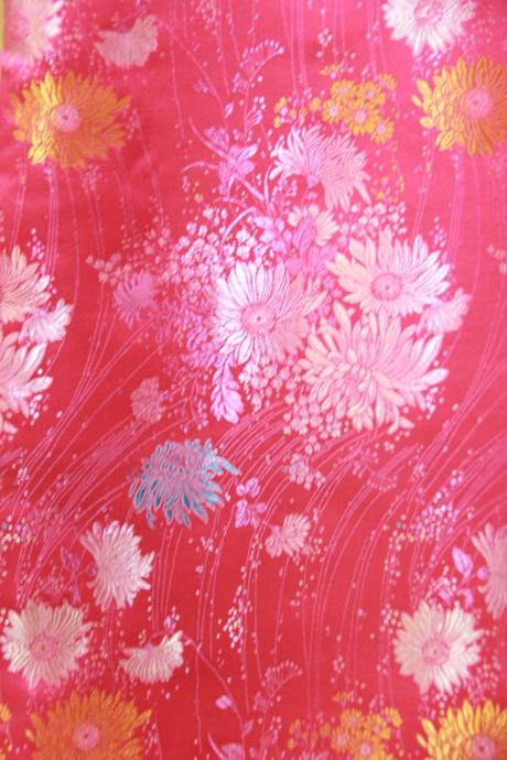 e297c8886e34 Tradiční čínské šaty   kostým