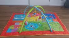 Hrací deka s hrazdou taf toys - skoro jako nová,