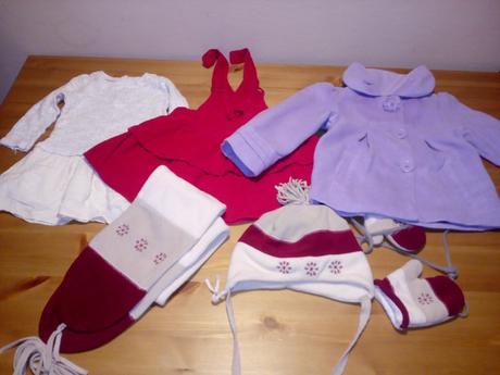 Balík oblečení na holku vel. 12-24m,