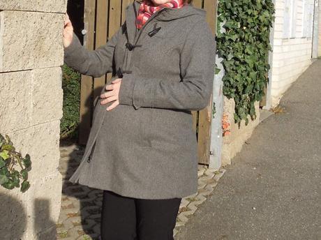 Těhotenský kabát, 40