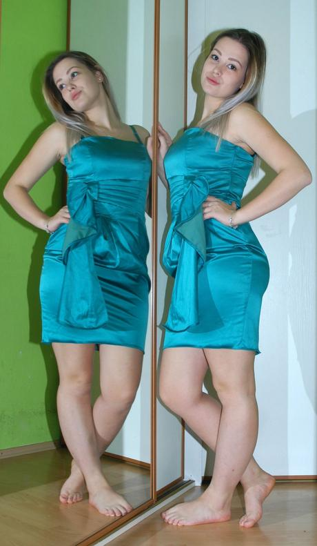 Společenské krátké lahvově zelené šaty, matalan,42
