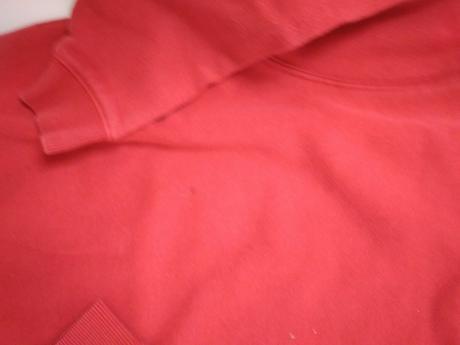 S69 - červená mikina, tu,110