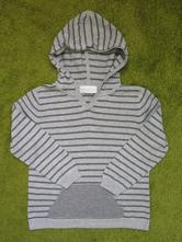 Lehký svetřík s kapucí, 110