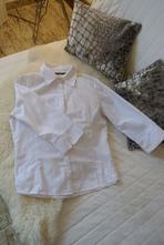 Bílá košile, atmosphere,m