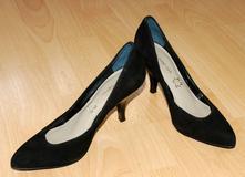 aca4b2ab0dc06 Černé semišové boty lodičky na lakovaném podpatku, 36