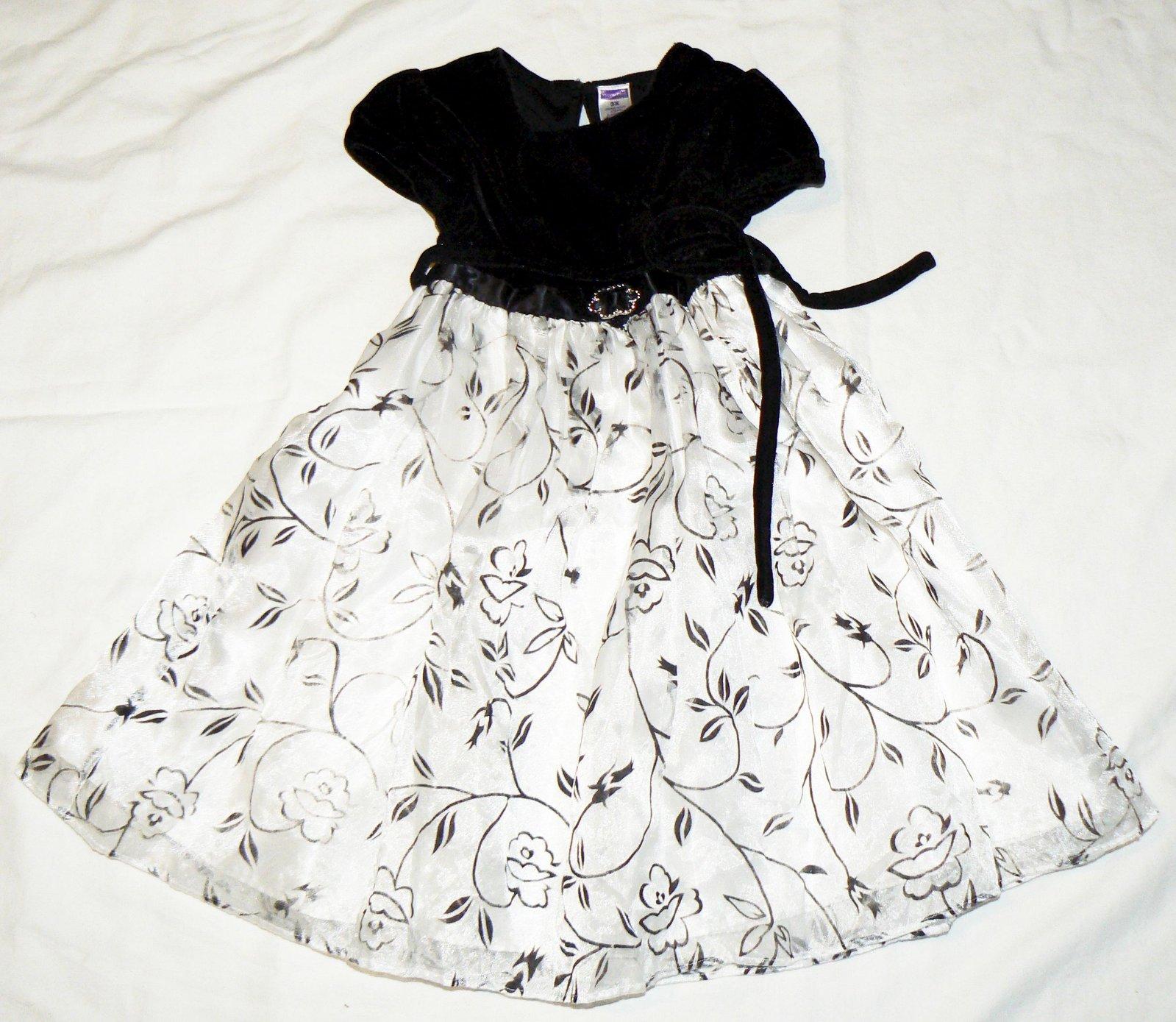 d4b02720584f 1  slavnostní šaty youngstreet