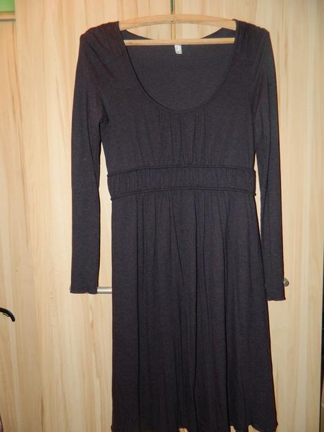 Dámské tmavě fialové teplejší šaty vel. 36/s, s