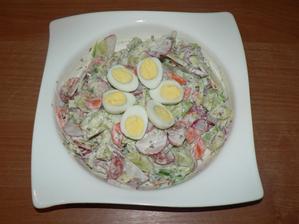 VEČEŘE: zeleninový salát s trochou zakysané smetany a sušenými bylinkami, 3 křepelčí vajíčka