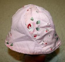 Oboustranný klobouček, 68