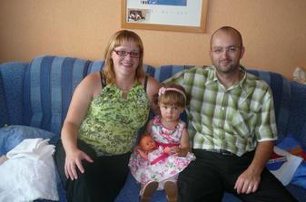 Tak a ještě celá rodinka pohromadě - maminka + Oříšek 31.tt, Kristýnka se svým vlastním miminkem a táta :-)