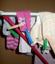 Anička věšela prádlo :-D