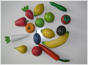 dřevěné ovoce a zelenina