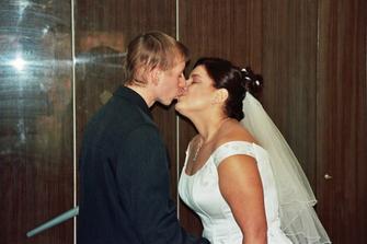 to jsou moji budoucí rodiče.Broňka a Martin.Pusa ve svatebním dni!
