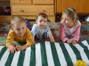 Pokec s bratránkem a sestřenicí