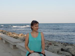 """""""Konečně zase u moře!"""" máma na první procházce po """"kolonádě"""" :-)"""